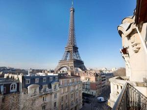 Paris apartment s300