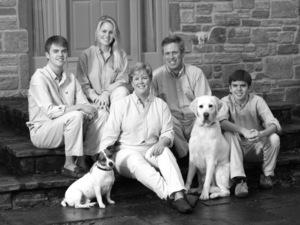 Blackwhite 1 dogs s300