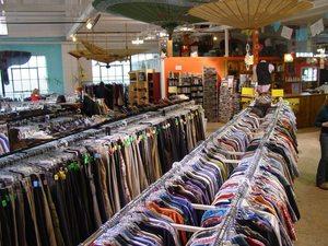 Llaa thrift store s300