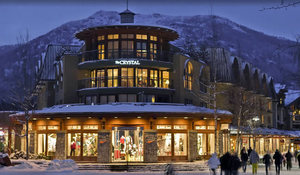 Crystal lodge suites whistler s300