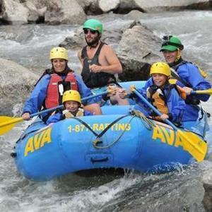 Ava family rafting 1 s300