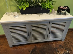 Credenza with 3 doors and white marble top s300