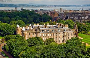 Holyrood palace 3 s300
