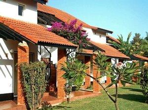 Kololi beach resort villa s300