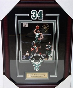 Giannis 8x10 dunking s300