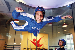 Extended indoor skydiving 27082909 s300