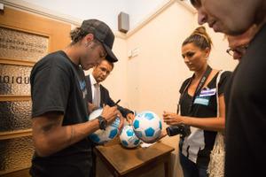 Neymar conf un photo 36544834056 5f5ef5d545 o  1  s300