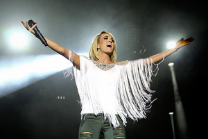 Pic 3 carrie  s300