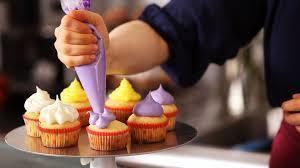 Cupcake decorating s300