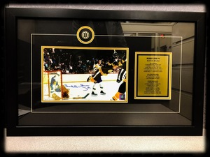 Bobby orr signed photo s300