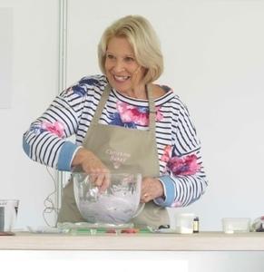 Christine baking session s300