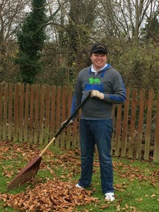 Harry raking2 s300