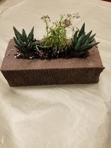 Brick planter s300