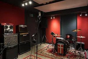 Recording studio 01 s300