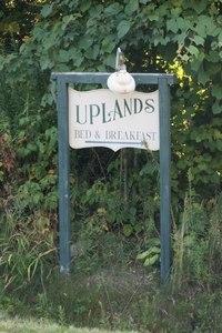 Upland inn s300