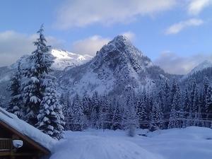 Moffett ski house winter view s300