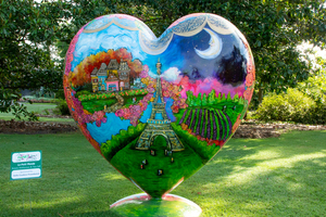 Heart of the gardens 062619 025 s300