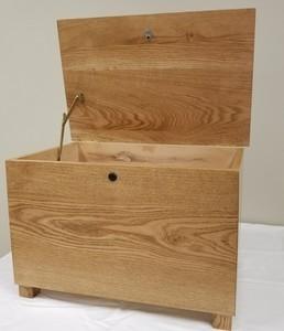 Amish chest s300