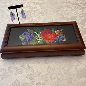 Rose motif jewelry box s300