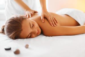 Professional therapeutic massage s300