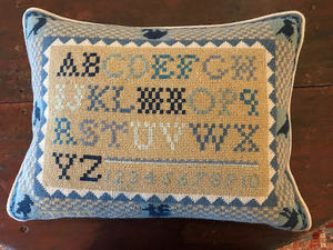 Needlepoint pillow front s300