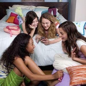 Teenage girls at slumber party 85650926 64f3deb7d55d40ba8ebfaed237187212 s300